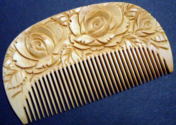 Japanese traditional boxwood comb (Tsuge Gushi)