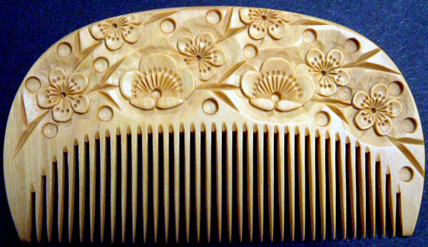 Carved boxwood comb-Ume (Plum)-