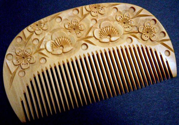 Carved boxwood comb -Ume(Japanese plum)-