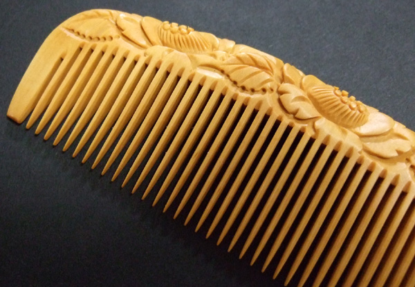This boxwood comb is capable of enhancing your appearance with its beauty and functionality.