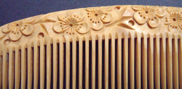 Carved boxwood comb-12cm -Ume- (Japanese Plum)