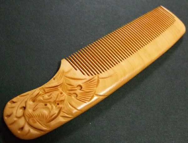 Carved boxwood comb -Hannya-